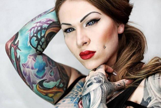 Woman Risked Going Blind By Having Her Eyeballs Tattooed