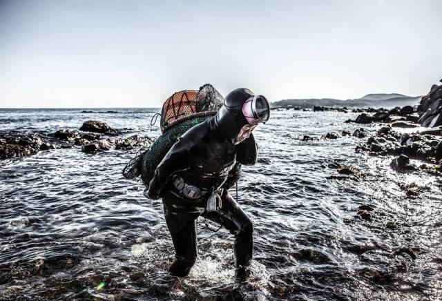 "The Last Of South Korea's Fearless ""Sea Women"""