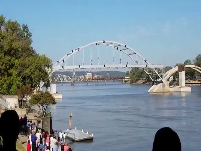 Major Broadway Bridge Explosion Fail