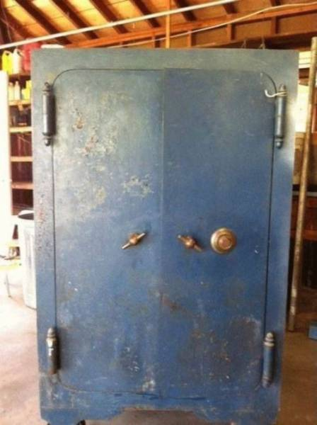 Family Could Finally Open Their Grandmother's Safe…
