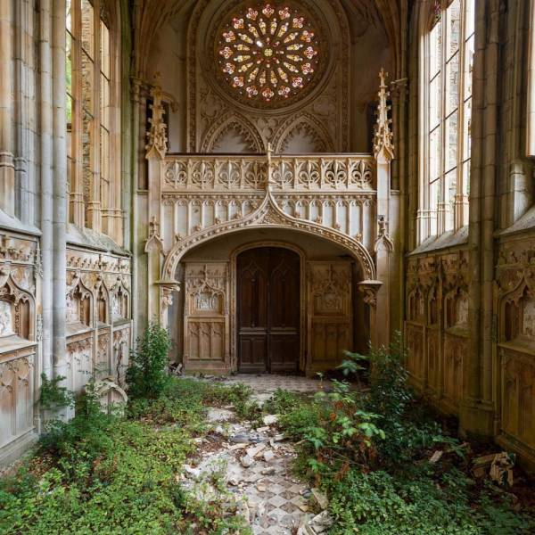Incredibly Beautiful Photos Of Abandoned Places