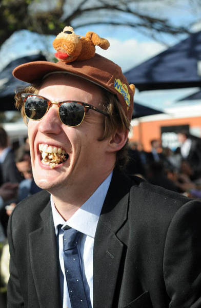Extravagant And Glamorous Outfits Of The Geelong Cup Racegoers
