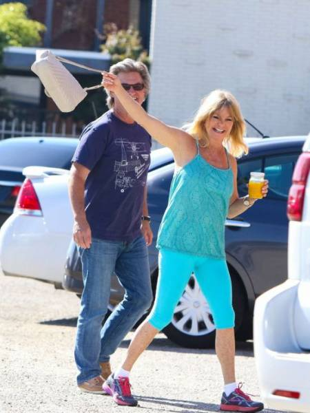 Goldie Hawn And Kurt Russell Don't Care About The Paparazzi