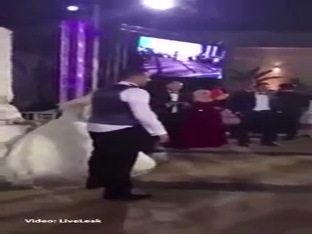 Bride Almost Drowns In A Swimming Pool Because Of The Weight Of Her Wedding Dress