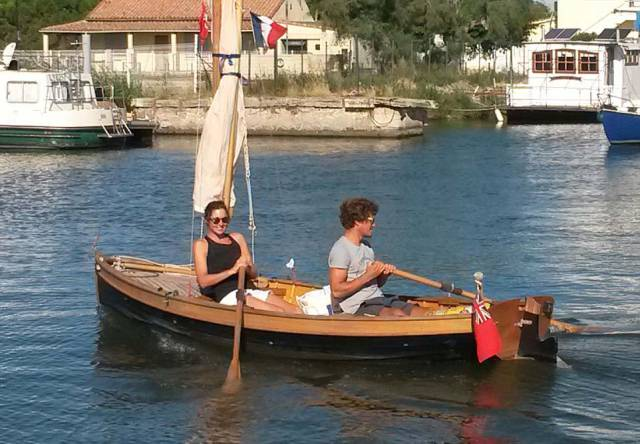Venturesome Couple Rows On A Homemade Boat From England To France