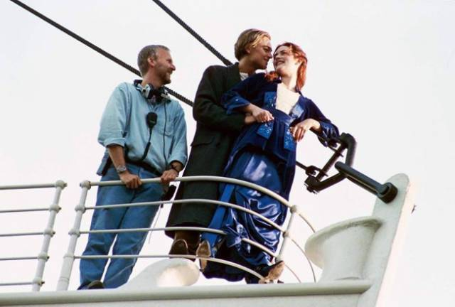 "Amazing Photos From The Set Of The Iconic Movie We All Love - ""Titanic"""