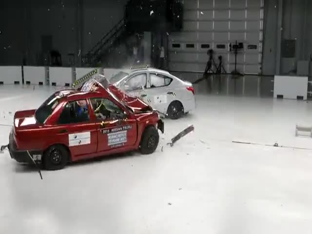 Crash Test Shows The Difference Between The Cheapest Nissan Sold In Mexico And The Cheapest Nissan Sold In The USA