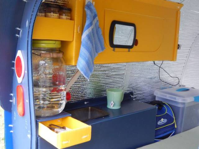 Man Built The Tiniest Of The Tiny Houses To Travel With Comfort