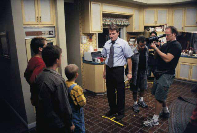 Awesome Behind The Scenes Photos From Our Favorite TV Sitcoms