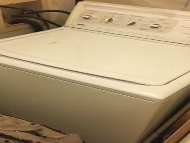 This Guy And His Washing Machine Created Quite A Catchy Bit