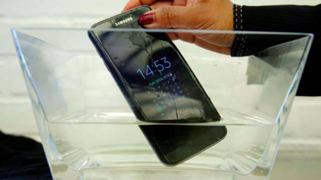 The Bizarre Reason Why Nearly All Phones in Japan Are Waterproof