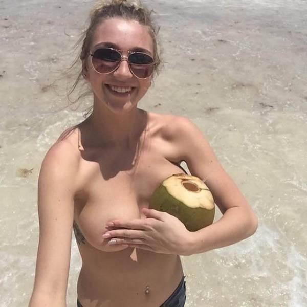 Free girls tits