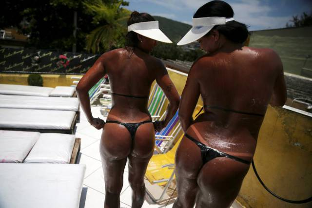 New Fashion Trend: Bikini Tape