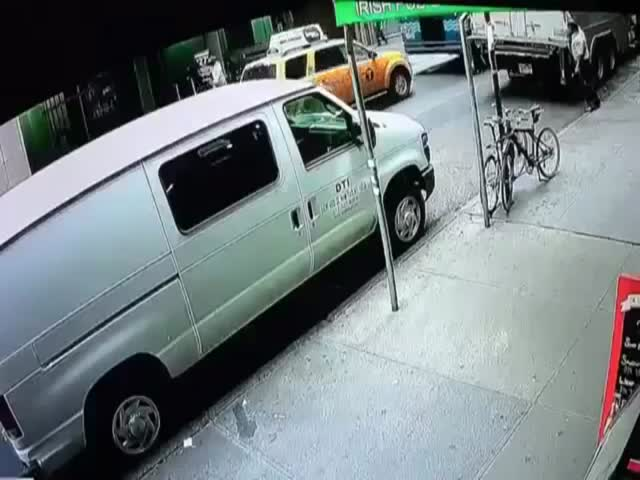 Did You Know How Easy It Is To Steal A Bucket Of Gold Flakes From An Armored Truck In Broad Daylight In Manhattan