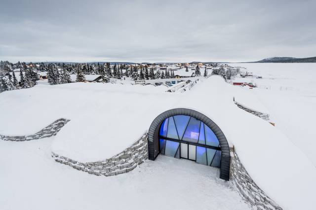 Ice Hotel That Doesn't Melt Even In Summer
