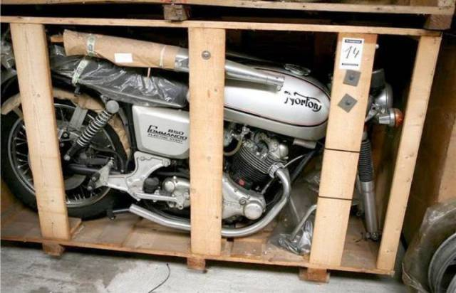 "11 ""Brand New"" Motorcycles From The Mid 70s Were Discovered In A Belgian Store"